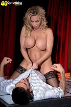 Busty HORNY HOUSEWIFE gogo dancer Amber Lynn suggests extras