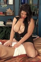 Cock Massaging By Headmistress Spyce